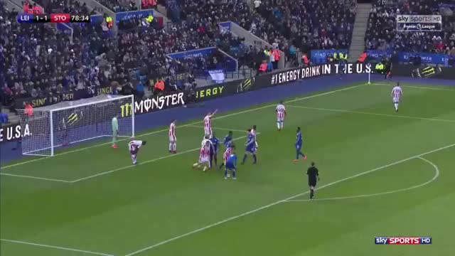 Watch and share Leicester Corner: Jamie Vardy Looping Run Vs Stoke GIFs by Mohamed Mohamed on Gfycat
