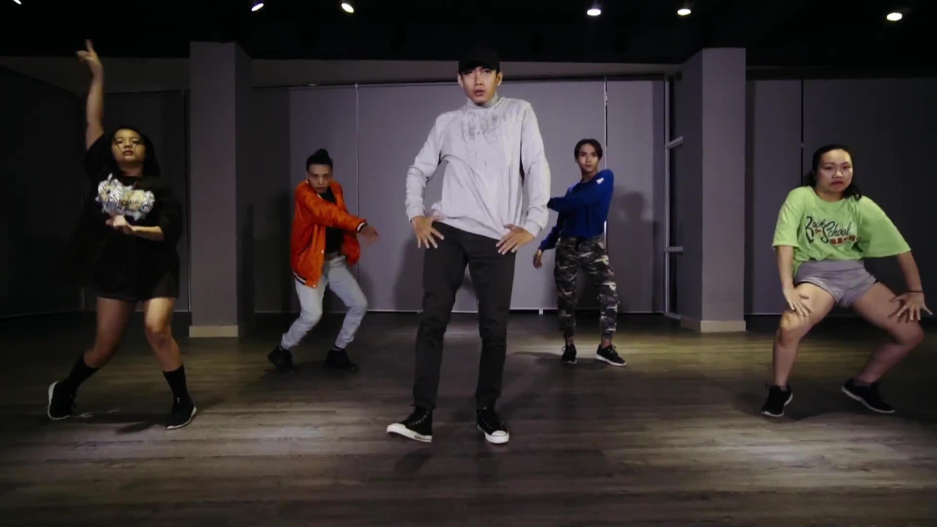 Quang Đăng tung bản dance cover ca khúc hot nhất thế giới Despacito
