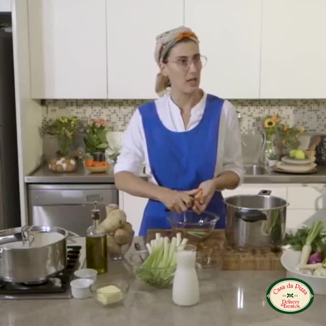 Watch and share Peça 1 - Paola GIFs on Gfycat