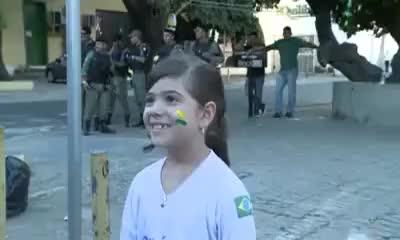Watch and share Ana Luiza Sobre A Manifestação Contra O Governo Em Teresina GIFs on Gfycat