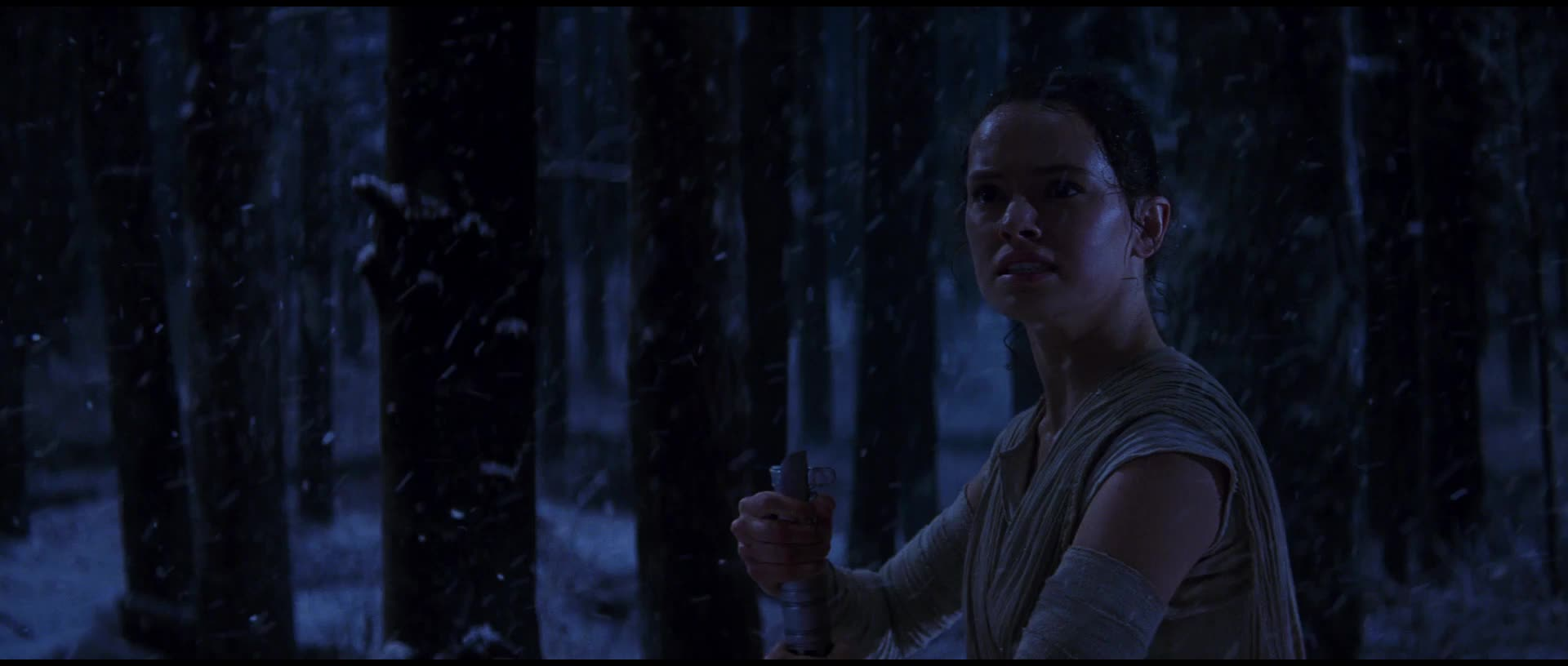 daisy ridley, rey, star wars, star wars the force awakens, the force awakens, Star Wars - Lightsaber Gifs - Rey GIFs