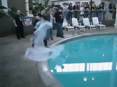 Watch and share [gif] Here Is What Happens When Liquid Nitrogen Is Thrown In A Swimming Pool [gif] GIFs on Gfycat