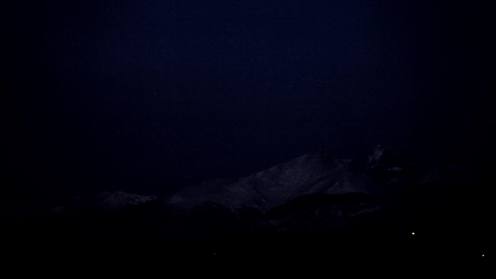 timelapsegifs, Eclipsed moon setting behind Long's Peak [1 hour] GIFs