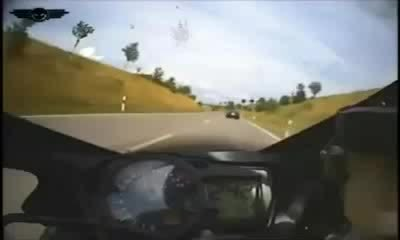 300, motor, motorrad, motorrad mit 300 km h polizei vobei... GIFs