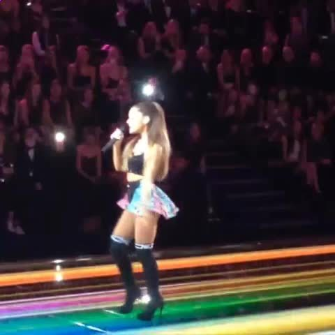 arianagrande, Low quality vine, up close spin (reddit) GIFs