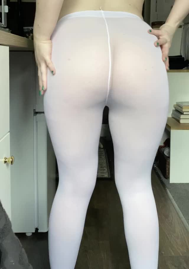 i like my butt in those leggings - what do u think?
