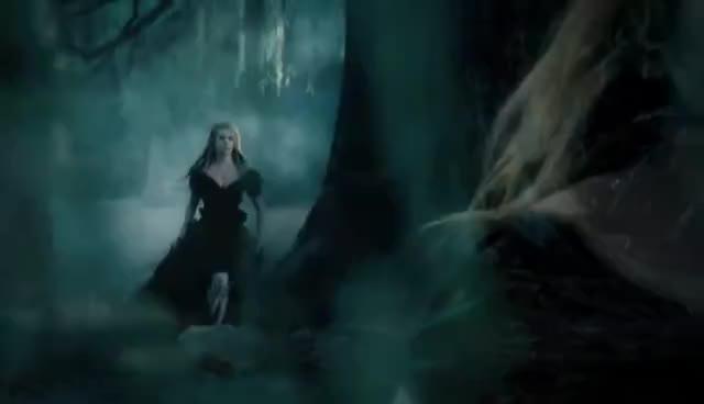 #AvrilLavigne, Avril in Wonderland GIFs