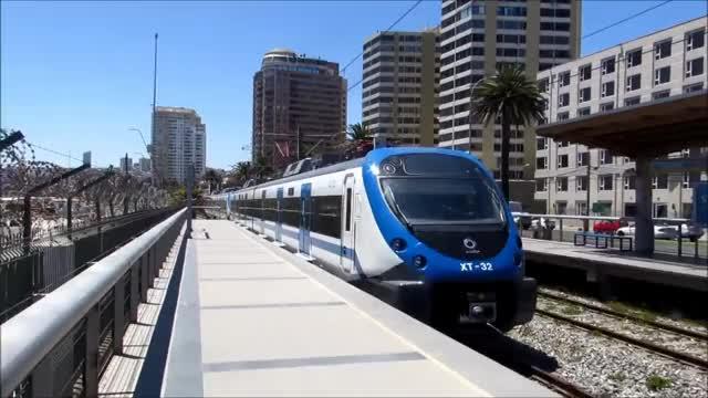 Watch and share Nuevos Trenes Alstom Xtrapolis Modular Por El Metro Valparaíso. GIFs on Gfycat