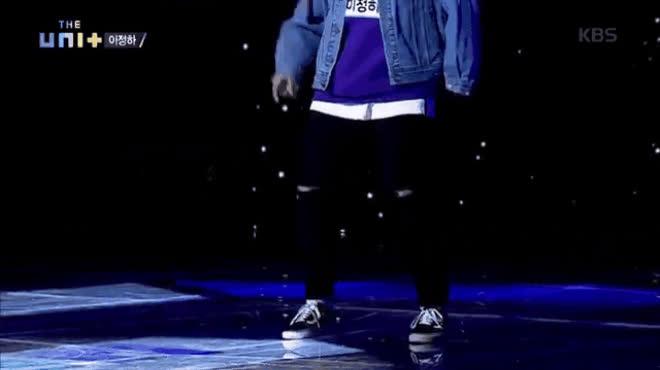Giám khảo Bi Rain ngại ngùng khi bị thí sinh nắm tay năn nỉ nhảy mẫu tại The Unit