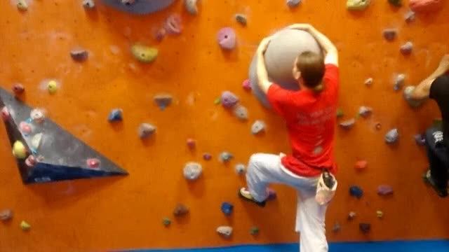 Watch and share Bouldering GIFs and Climbing GIFs by artymort on Gfycat
