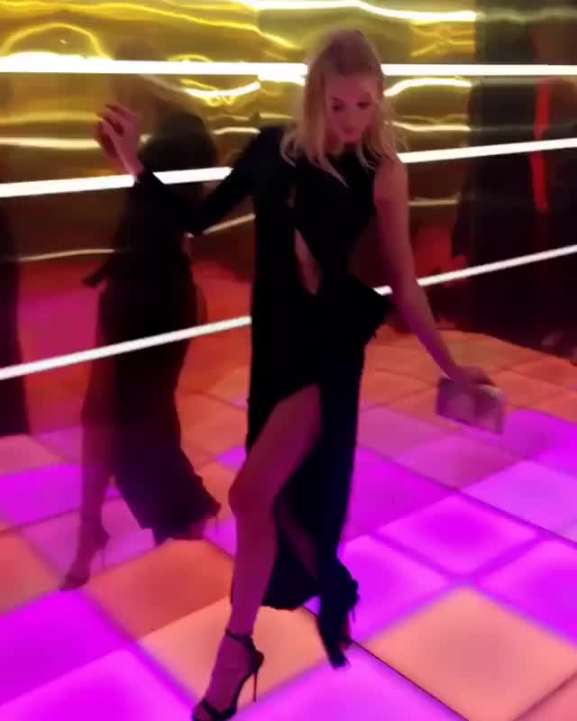 Watch and share Elsahosk GIFs on Gfycat