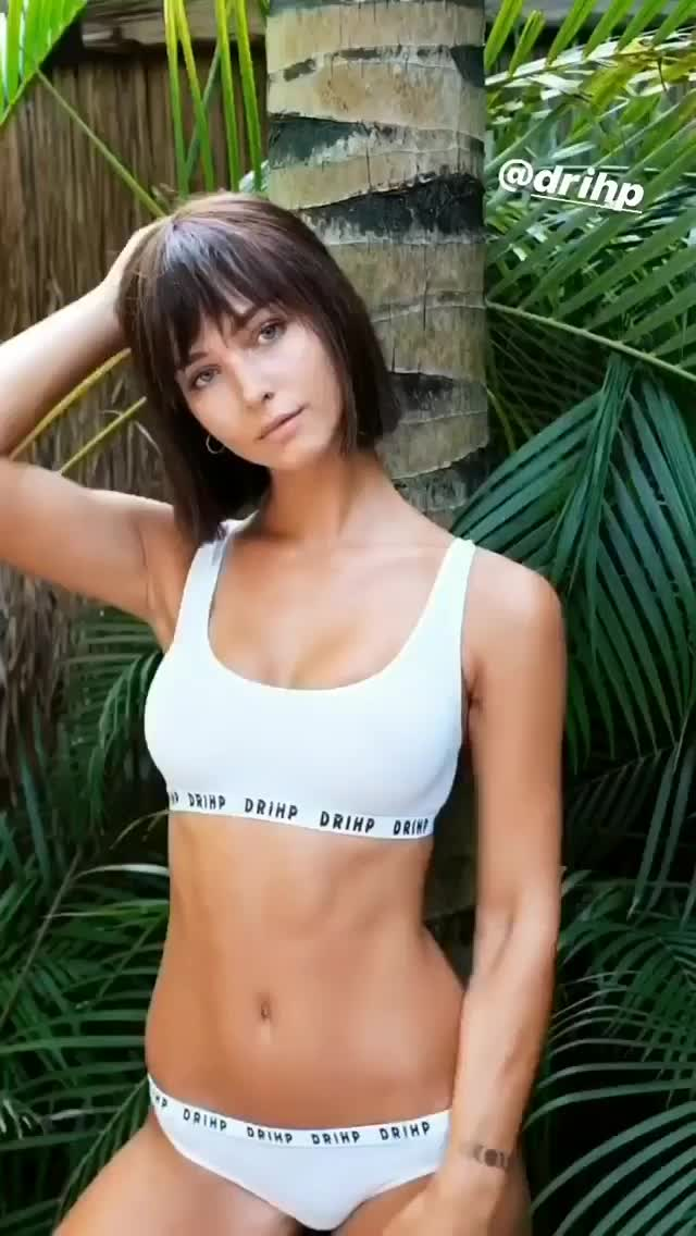 Watch and share Rachel Cook GIFs by lakers_037 on Gfycat