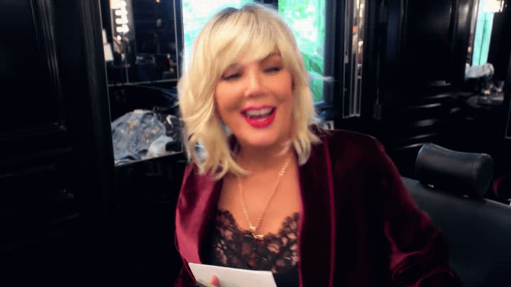 blonde, cackling, evil laughter, funny, haha, hilarious, keeping up with the kardashians, kris jenner, kuwtk, laughing, lol, wig, Blonde Kris Jenner LOL GIFs