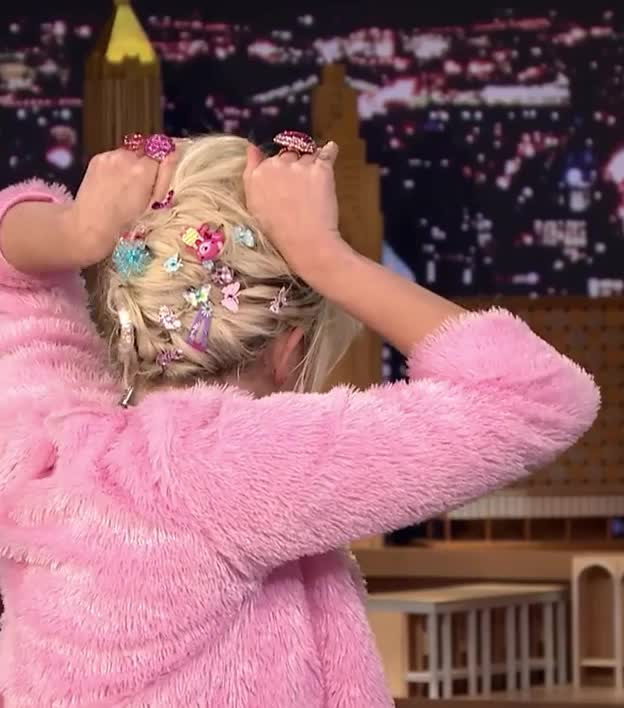 GIF Brewery, cyrus, dumb, face, fun, funny, miley, stupid, tonight show, Funny Miley Cyrus GIFs