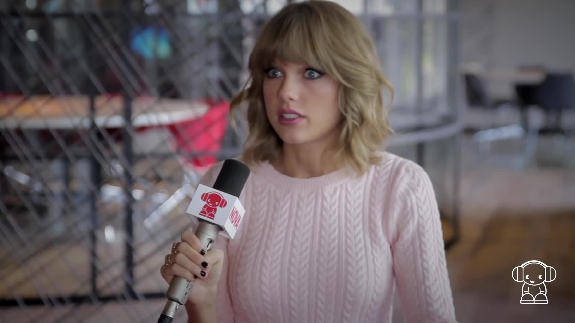 interview, nova fm, quickie, smallzy, surprise, surprised, swift, taylor, taylor swift, 😯, Taylor Swift Surprised GIFs