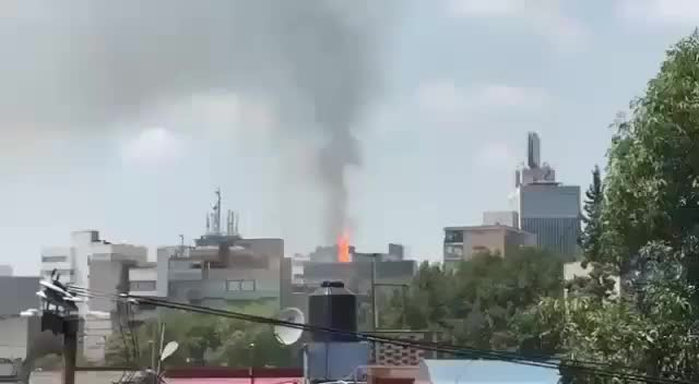 Watch and share Earthquake GIFs and Mexico GIFs by PM_ME_STEAM_K3YS on Gfycat