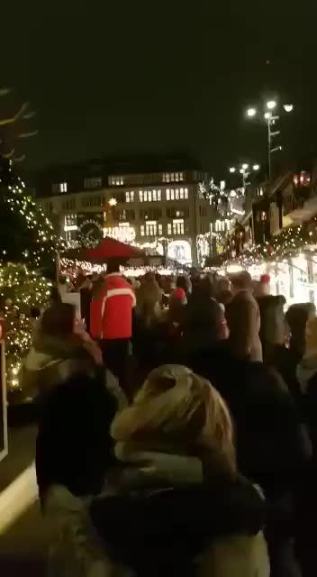 Watch Christmas In Hamburg GIF by Prakash Matre (@prakashmatre) on Gfycat. Discover more Christmas, Hamburg, fastival, x-mas GIFs on Gfycat