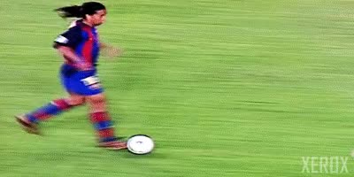 Watch and share 호나우지뉴의 바르셀로나에서 첫골과 마지막골 GIFs on Gfycat