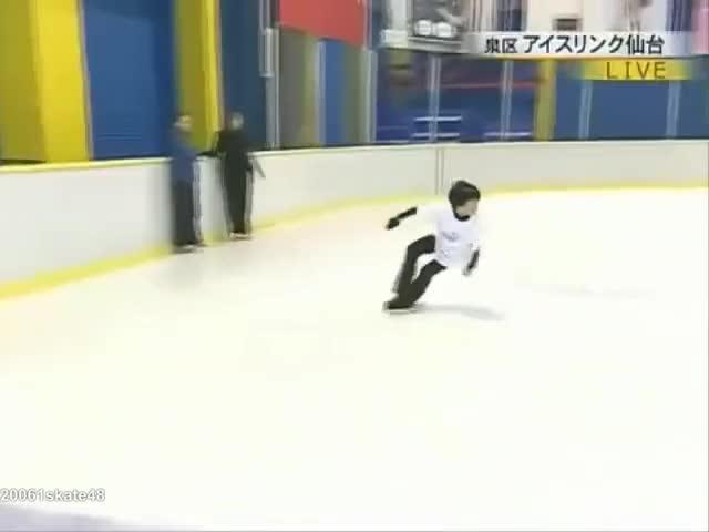 Watch and share Figure Skating GIFs and Hanyu Yuzuru GIFs by Irina Niculiu on Gfycat