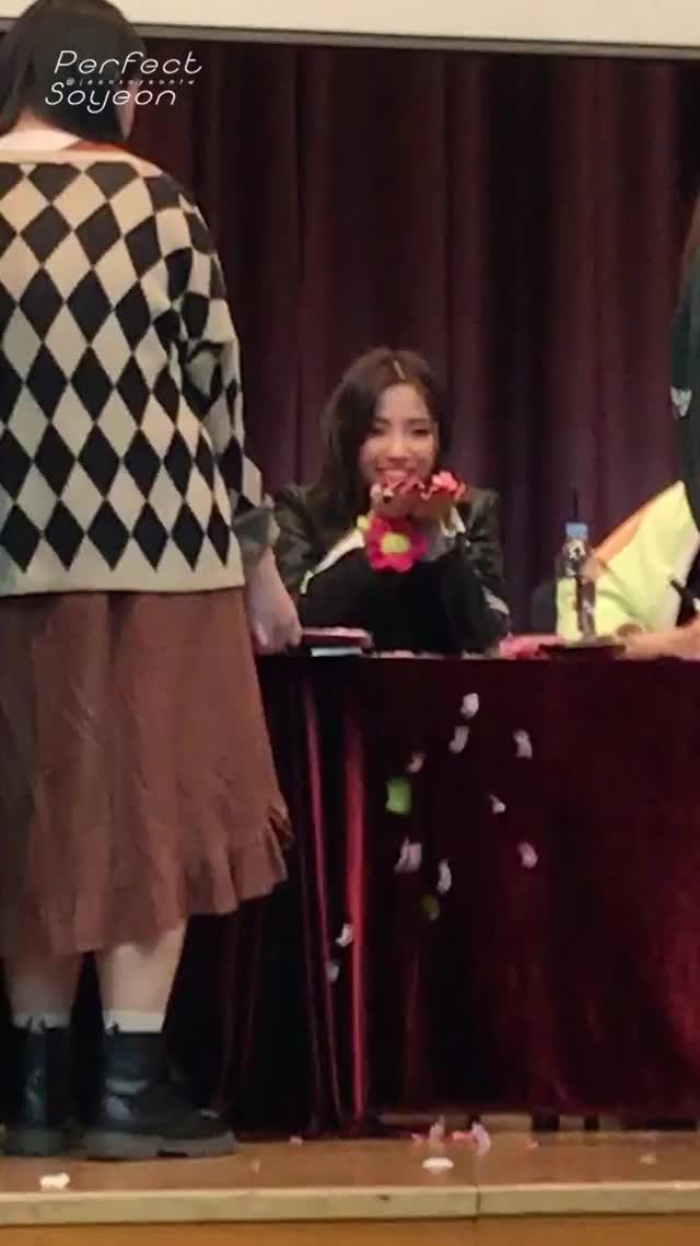 Watch and share Jeon Soyeon Pics #I_MADE - The Way She Just Threw The Petals Skdjsk GIFs on Gfycat