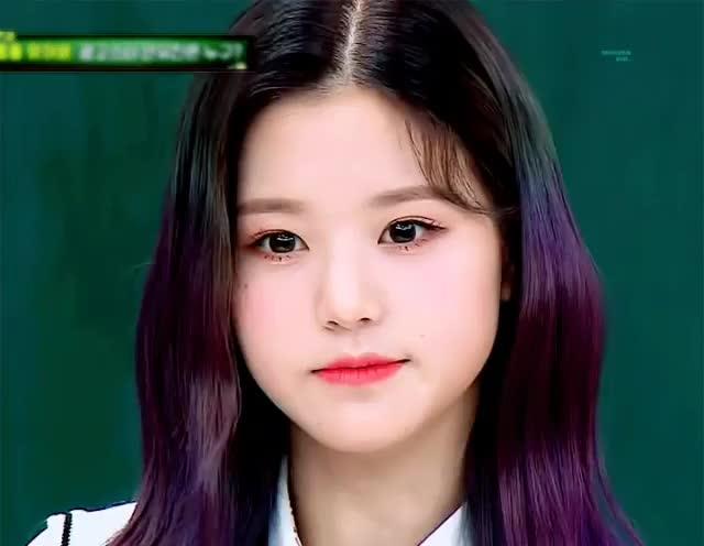 izone, jang, jang wonyoung, wonyoung, 아이즈원, 원영, 장원영, Wonyoung wink GIFs