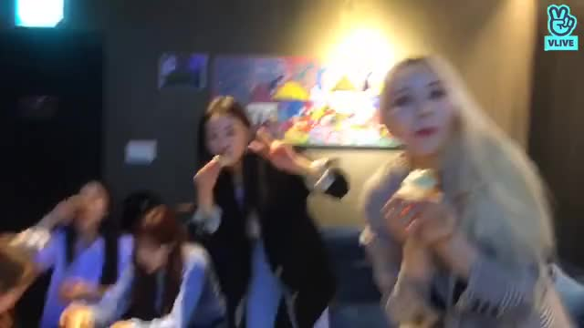 Watch LOONA Mukbang GIF by LOONA.Webm (@deeddi) on Gfycat. Discover more LOONA, Mukbang, celebs GIFs on Gfycat