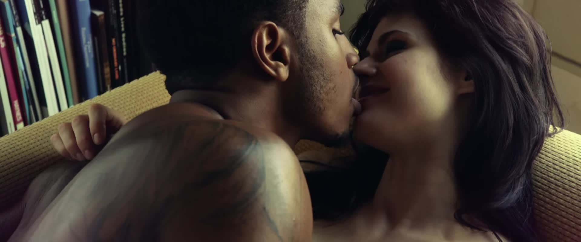 alexandra daddario, make out, making out, texas chainsaw 3d, trey songz, Alexandra Daddario make out scene in Texas Chainsaw 3D GIFs