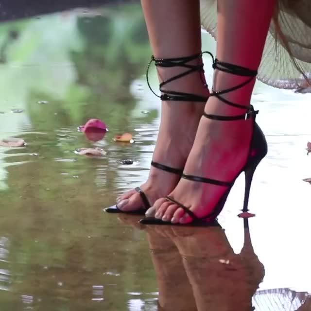 Watch and share Everglow - Aisha GIFs by 김치 on Gfycat