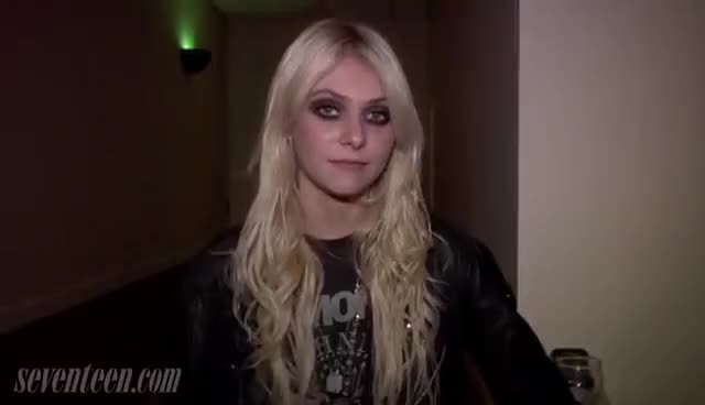 Watch momsen GIF on Gfycat. Discover more momsen GIFs on Gfycat