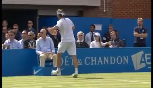 Watch Nalbandian patada GIF on Gfycat. Discover more tenis violencia GIFs on Gfycat