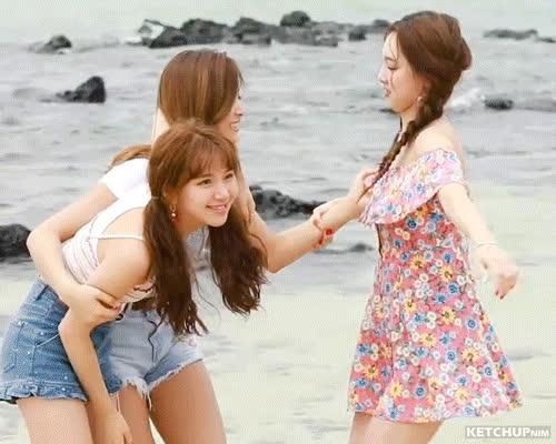 Nayeon, Twice, kpop, nayeon MMA GIFs