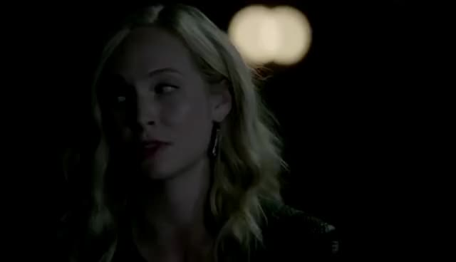 The Vampire Diaries: 8x05 - Elena and Tyler's memories and goodbye [HD] GIFs