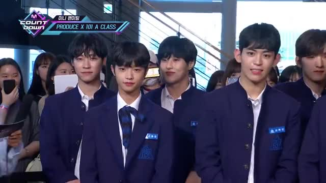 Watch and share [Mini Fanmeeting With PRODUCE X 101 A CLASS] KPOP TV Show M COUNTDOWN 190523 EP.620 GIFs by Lala on Gfycat
