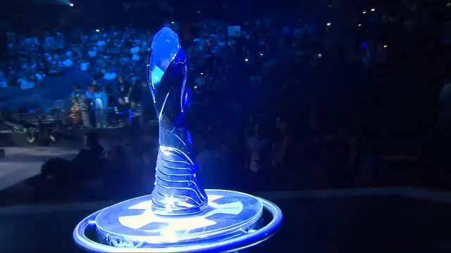 Opening Ceremony for S8 NA LCS Summer 2018 Grand Finals - Team Liquid and Cloud 9 Enter the stage!
