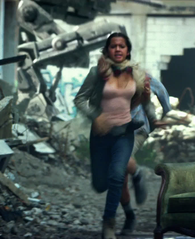 isabelamoner, transformers, Isabela Moner - Transformer: The Last Knight GIFs