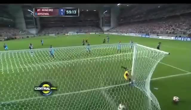 Watch and share Atlético Mineiro 5 - 2 Arsenal De Sarandí Copa Libertadores 2013 GIFs on Gfycat