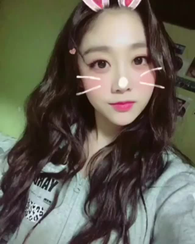 Watch and share 지수 GIFs by 러블리즈 on Gfycat