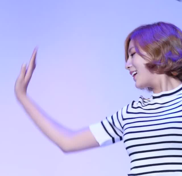 Watch and share Apink - Hayoung GIFs by hayoungposts on Gfycat