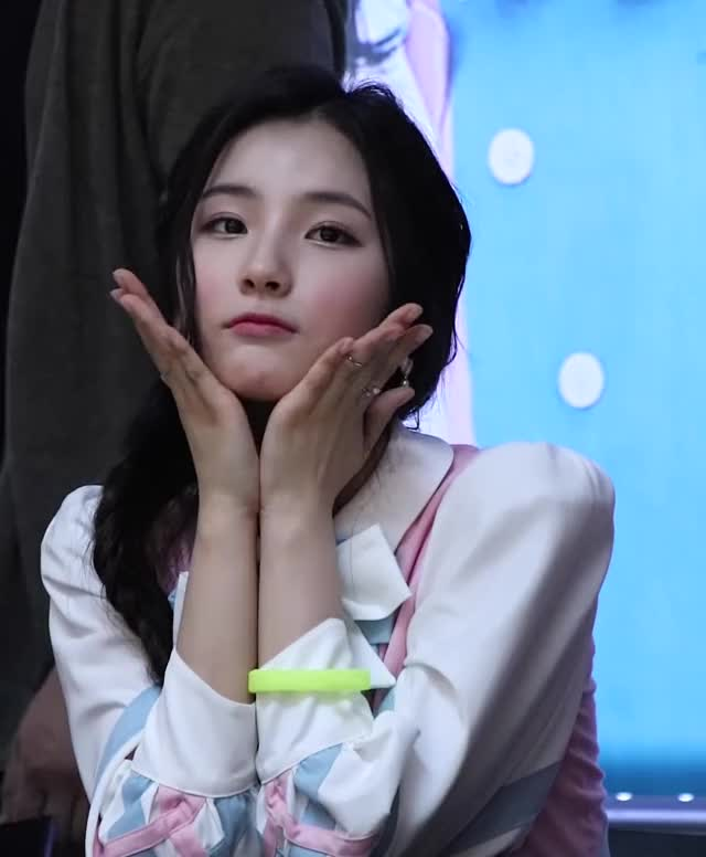 Watch and share ELRIS - Sohee GIFs by Dang_itt on Gfycat