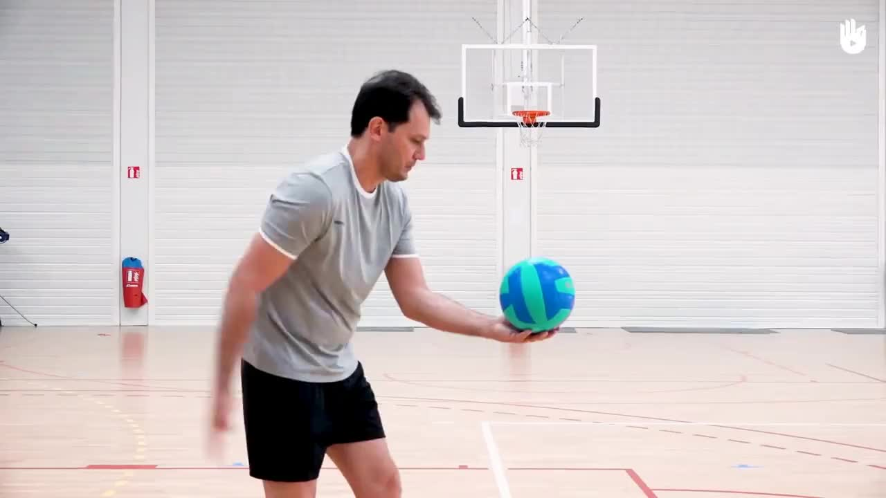 Underhand And Overhand Serves Volleyball Gif Gfycat