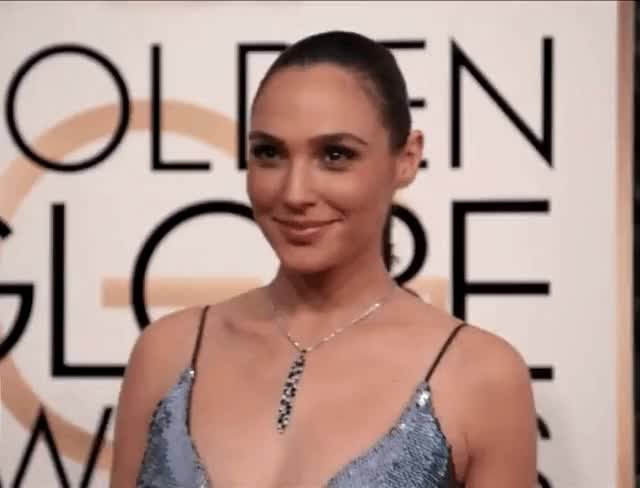 Watch this gal gadot GIF by The GIF Smith (@sannahparker) on Gfycat. Discover more gal gadot, golden globes, red carpet, smile GIFs on Gfycat