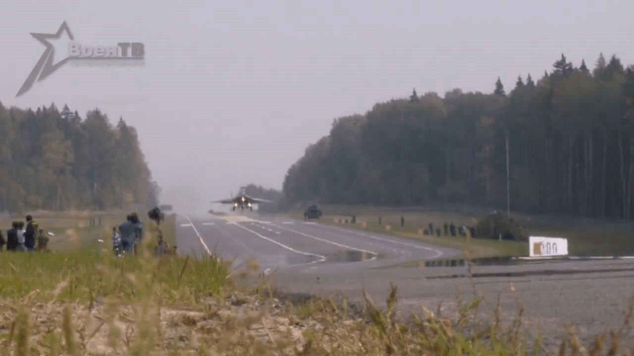 MilitaryGfys, militarygfys, MiG-29 Landing on a highway in Belarus (reddit) GIFs