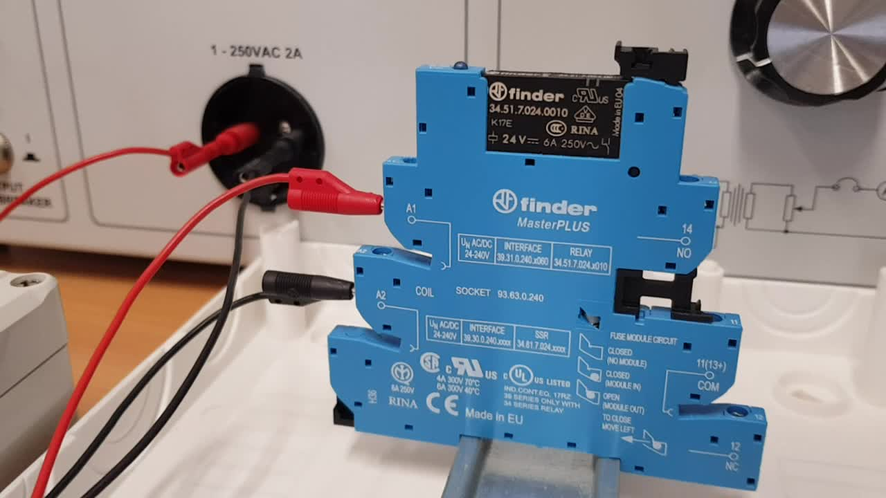finder, pole, relay, relay module, switch, Finder MasterPLUS 39.31.0.240.0060 GIFs