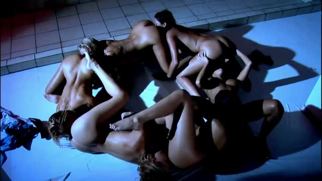 lesbo shower circle