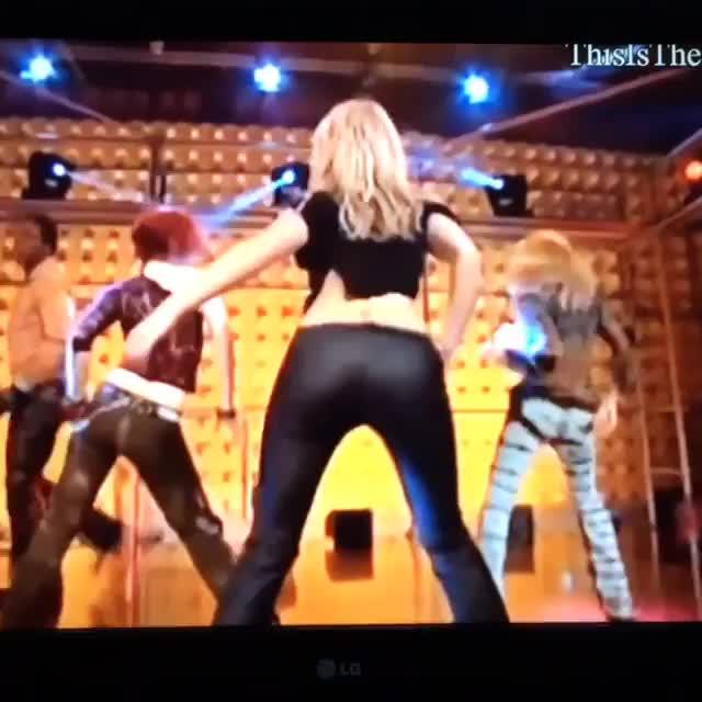 assney, boomerang, britneyspears, buttney, imslave4u, imslaveforyou, itsbritneybitch, live, princess, princessofpop, Britney Spears live on German TV 2001. @britneyspears GIFs