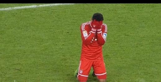 fcbayern, Thiago wins @ life. GIFs