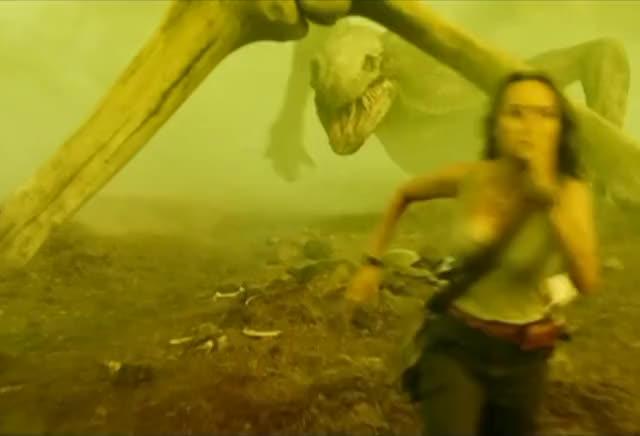 brie Larson running in Kong: Skull Island