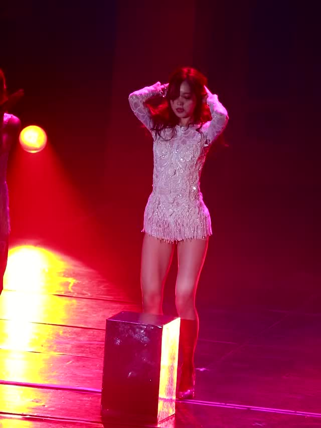 Watch and share Z-naeun Apink 161217 Pink Party Dty [2VpdzzY2h2g]-1 GIFs by Mecha熊 ✔️  on Gfycat
