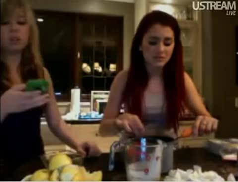 Ariana Grande, Ariana Grande GIFs