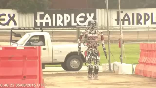 Watch robot vs. this-isn't-my-stop GIF by @jccahill on Gfycat. Discover more futurology GIFs on Gfycat